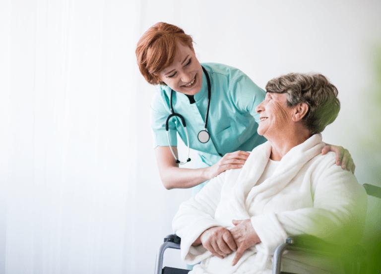 La importancia de tener una buena formación en geriatría